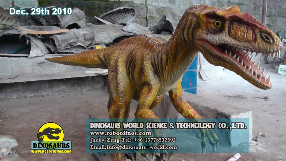 Robotic Life Size Dinosaur DEYNONYCHUS