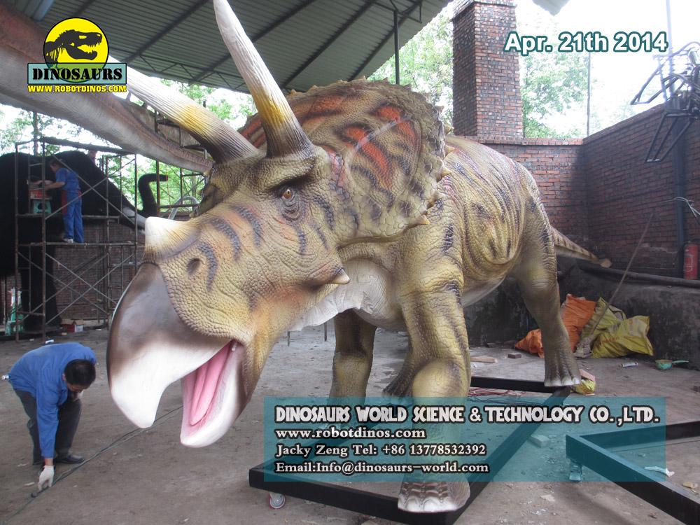 DWD038-3 Triceratops Animatronic Dinosaur